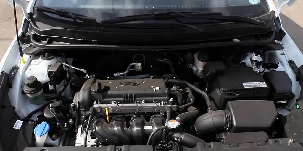 Hyundai Solaris hatchback 2015 фото