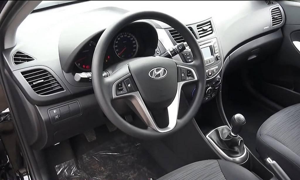 фото салона Hyundai Solaris 2015