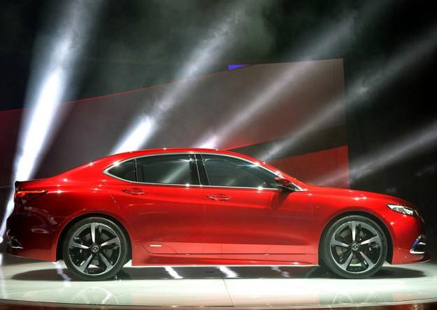 Acura TLX обновленный седан от японского бренда