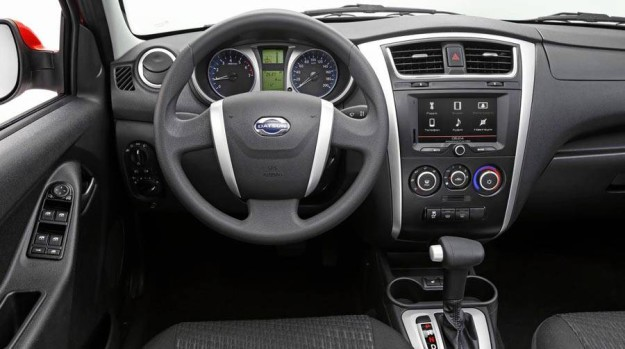 Доступный Datsun mi-DO 2015 от Nissan