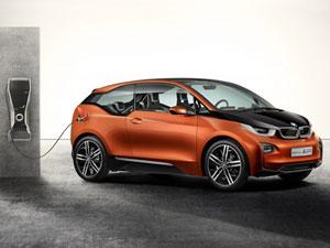 Покупателям электрокара BMW i3 дадут машину для дальних поездок
